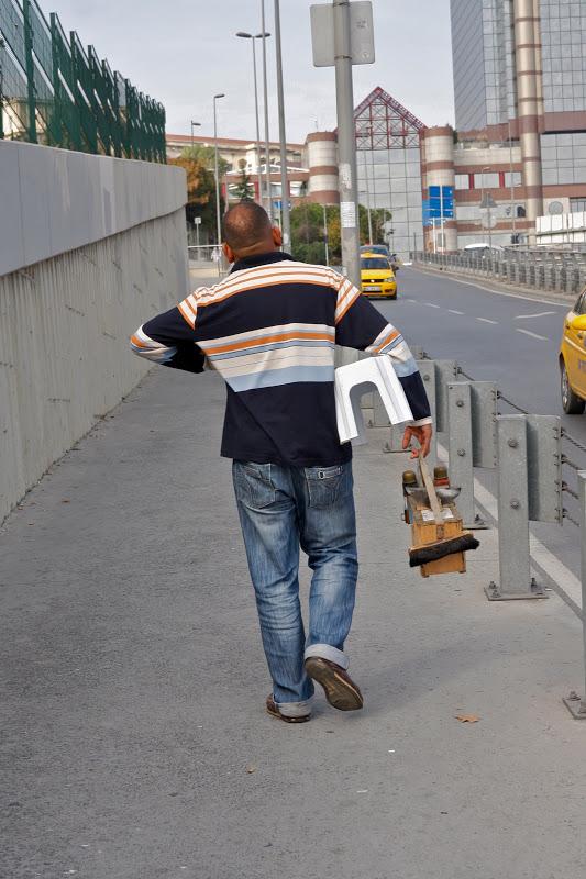 Интересно знать Турция : Профессия чистильщик обуви в Стамбуле